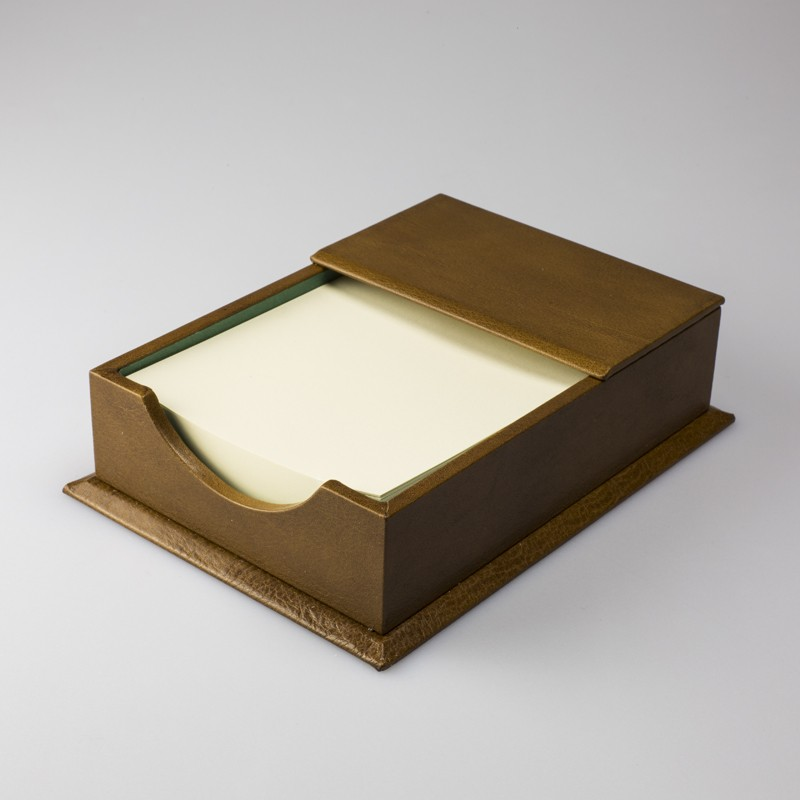 Il Papiro Firenze rectangular box covered with hand-decorated paper